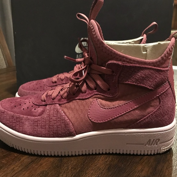 buy cheap b2c37 0116a Women s Nike Air Force 1 Ultraforce Mid FIF. M 5ab1b76205f430b98798e430